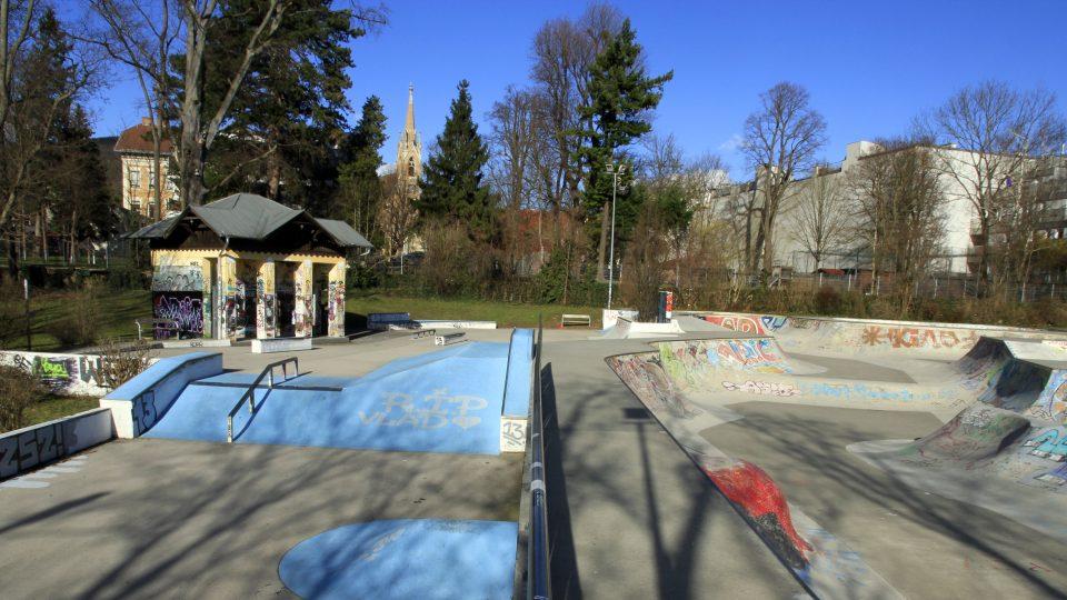 Pool- und Streetbereich