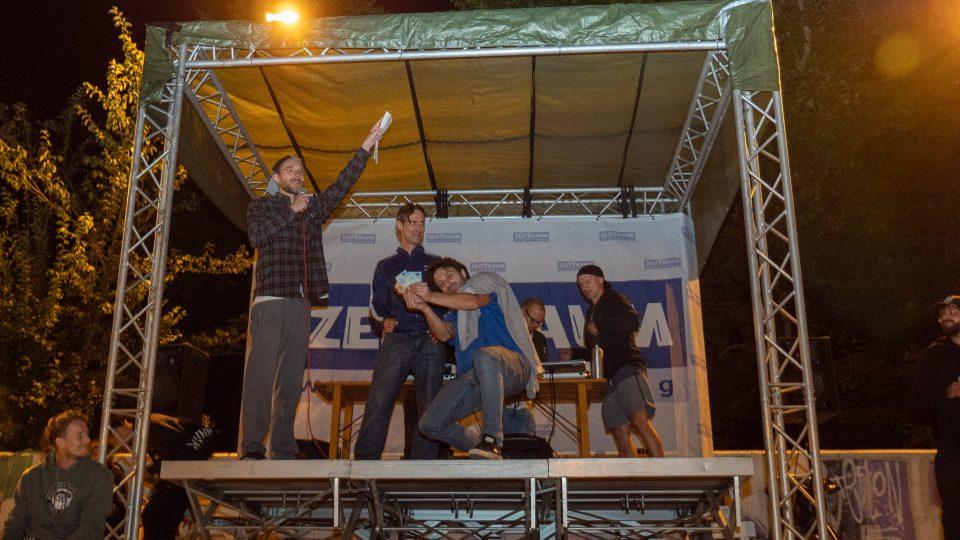 Siegerehrung WINWIN Best Trick Street Pyramide
