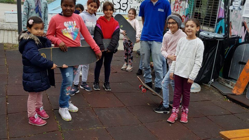 Zeitraum Mädchengruppe aus dem 22. im Skatepark Penzing